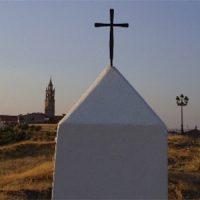 Monolito a la Virgen de África en Pedroche