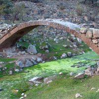 Puente sobre el arroyo Santa María, en Pedroche